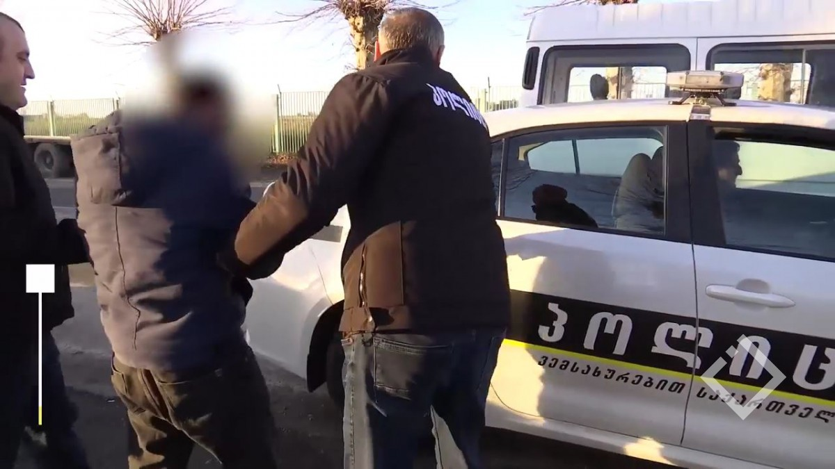 ბათუმში პოლიციამ ნარკოდანაშაულისთვის ორი მამაკაცი დააკავა