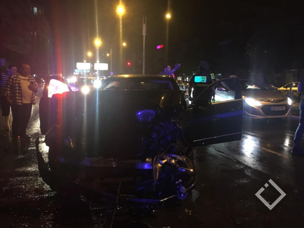 ბათუმში, ჭავჭავაძის ქუჩაზე ავარია მოხდა
