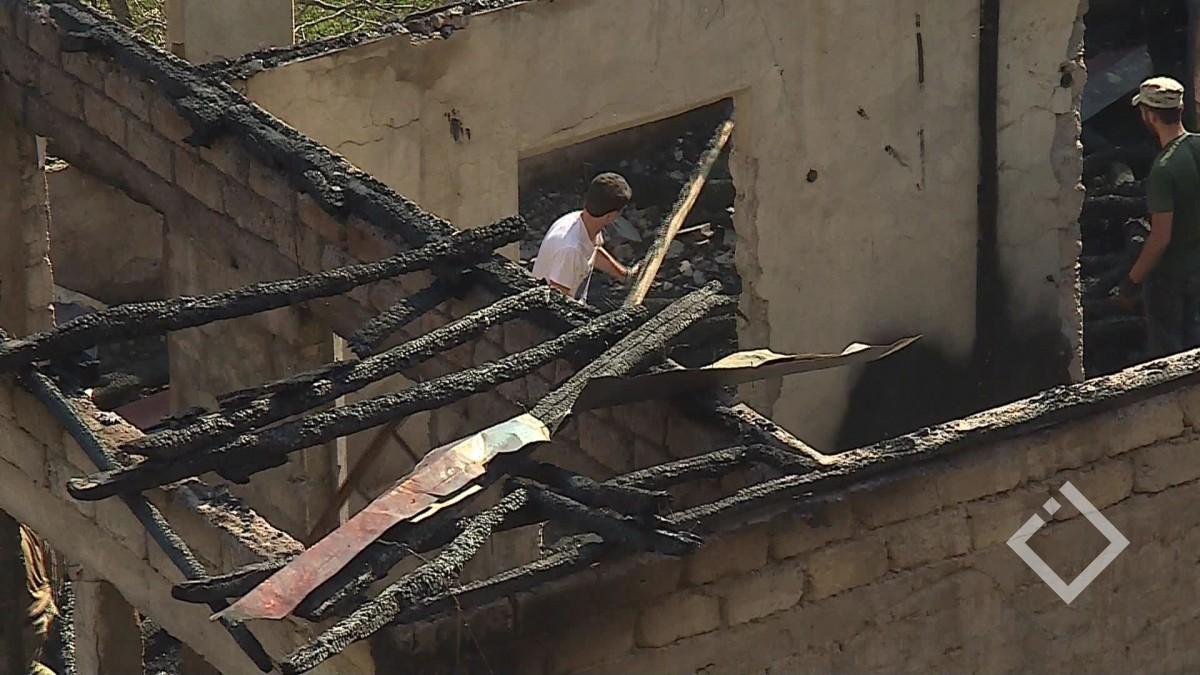 ქედაში ხანძარმა საცხოვრებელი სახლი გაანადგურა - ოჯახი ღია ცის ქვეშ დარჩა